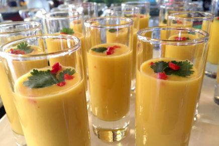 Mango-Kokos-Chilli-Süppchen