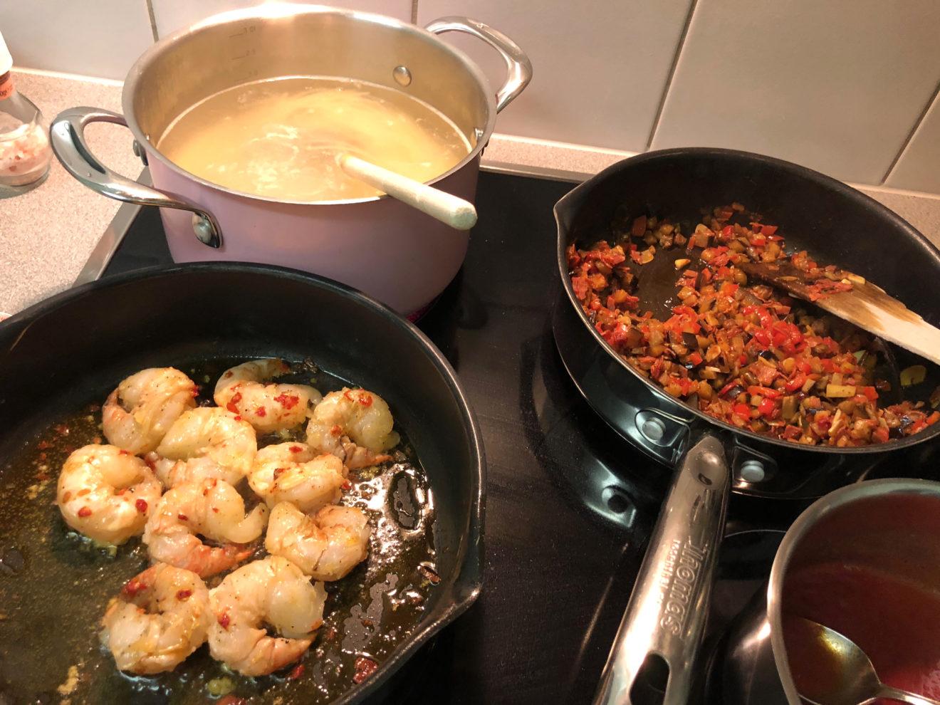 Spaghetti – Aubergine, Peperoni, Chorizo und Gambas
